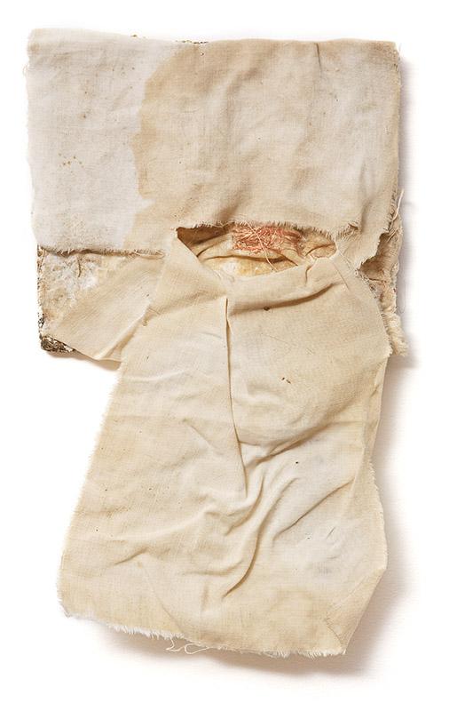 Sem título, s/d fio de cobre bordado sobre tecido sobre tela 29 × 20 cm