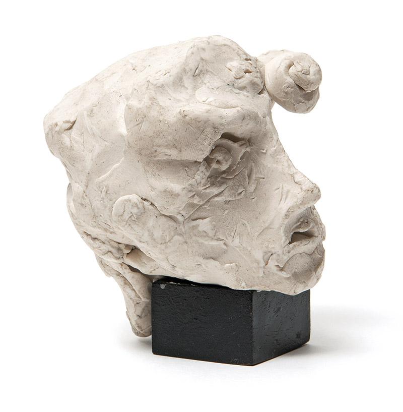 Sem título, s/d plastilina e madeira 9,5 × 7 × 7 cm